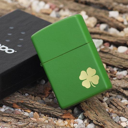 374 Zippo 21032 Shamrock Green Matte 1