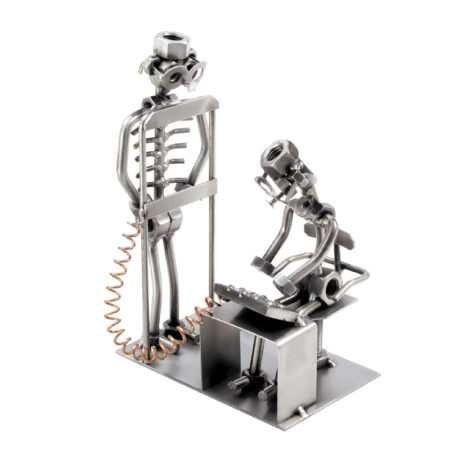 Hinz and Kunst figure skulpture Radiolog Pokloni mi e1493204630112