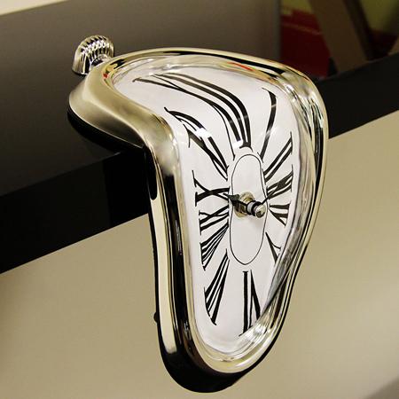 dalijev sat poklon za ljubitelje umetnosti