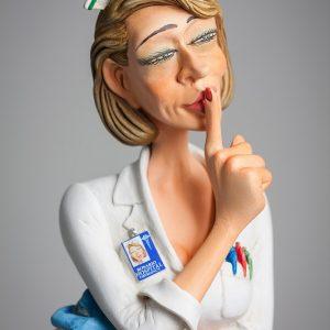 The Nurse • L'Infirmière 4
