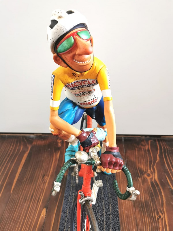 biciklista forchino figura ekspedicija