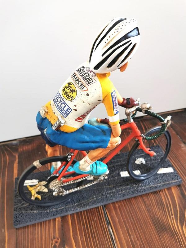 forchino figura biciklista ekspedicija