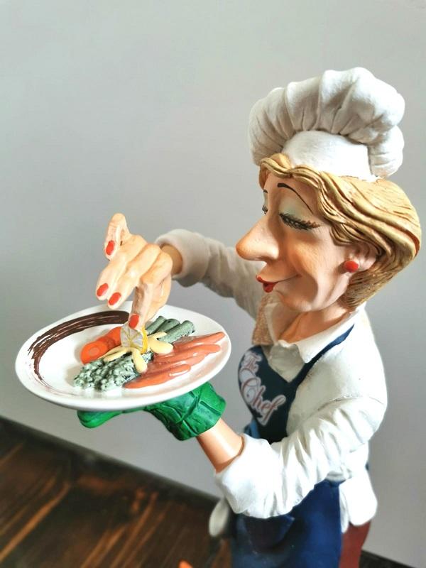 rucna figura ekspedicija kuvarica